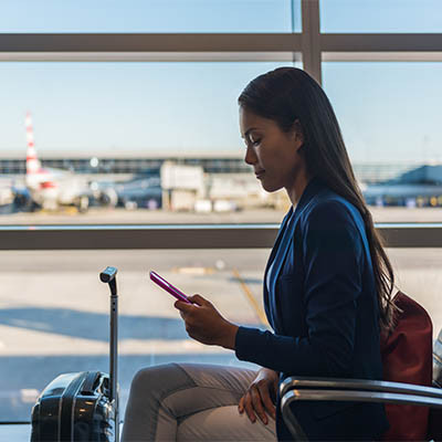 4 Ways to Keep Your Mobile Devices Safe While Traveling